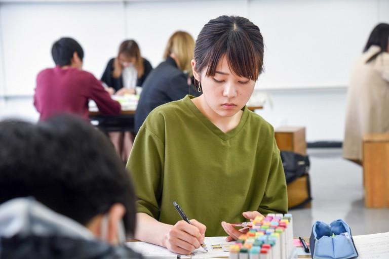 2017_高度デザインアート科編入学2年_01