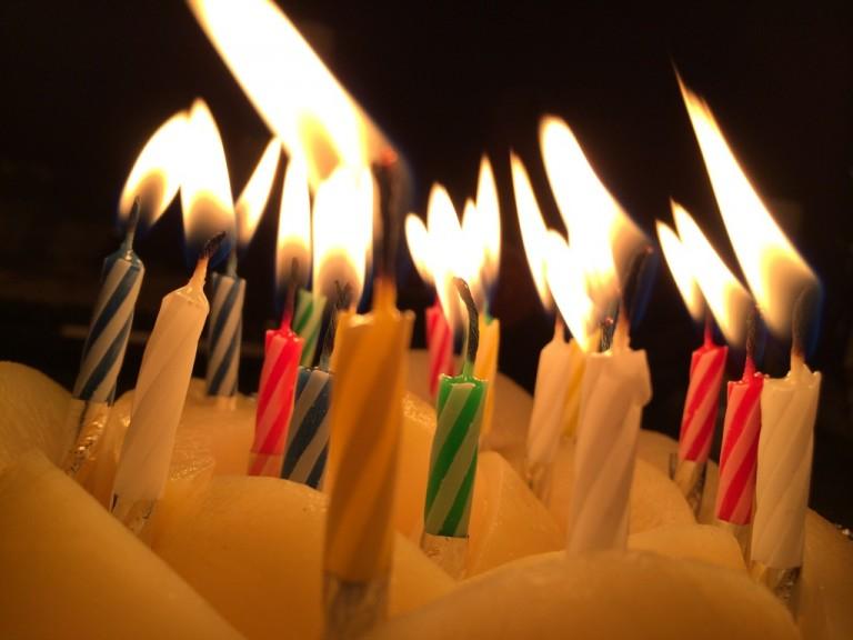 誕生日ケーキのロウソク